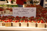 farmers_market_strawberries