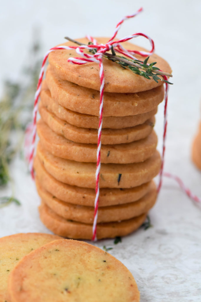 Parmesan Thyme Crackers | Festive Edible Gifts To Make And Give This Season